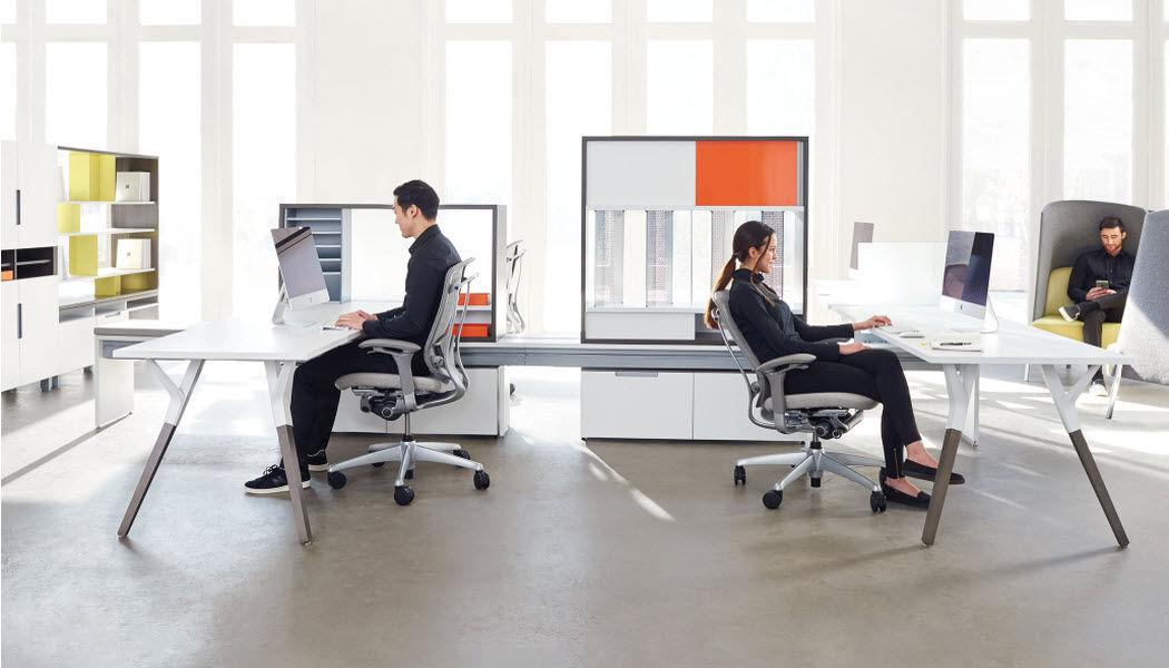 Teknion Open space Bureaux et Tables Bureau  |