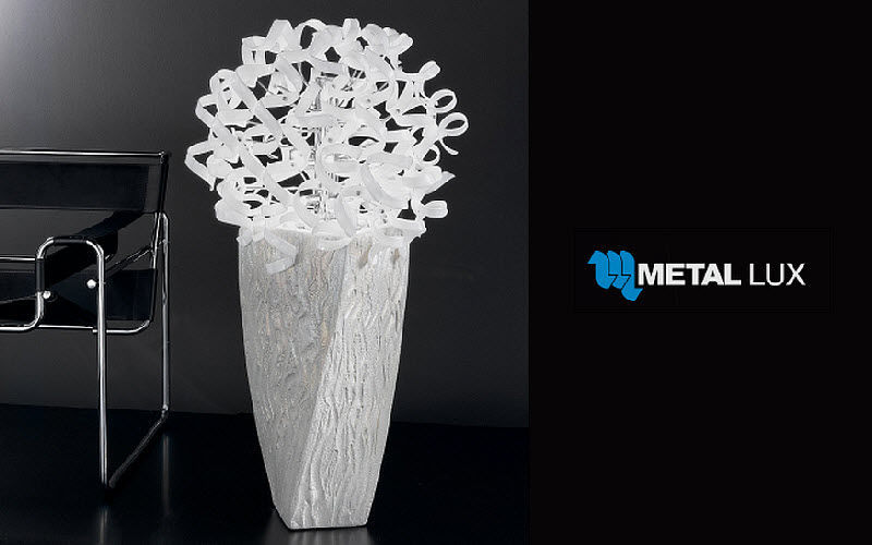 Metal Lux Lampadaire Lampadaires Luminaires Intérieur    Décalé