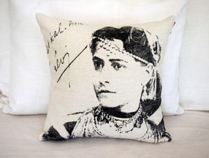 SISSIMOROCCO - femme chirkha - Coussin Carré
