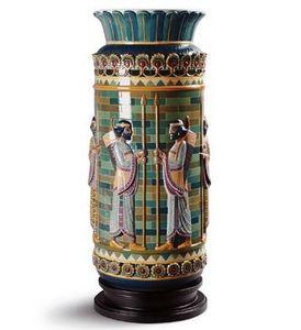 Lladró - archers frieze vase - Vase Décoratif