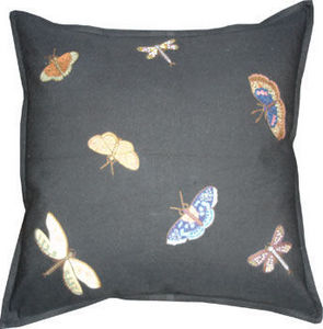 Barbara Coupe - butterflies, dragonflies & moths - Coussin Carré