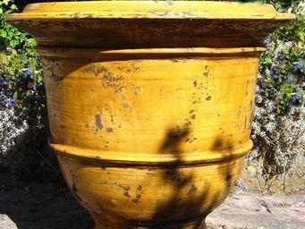 PLANTERS-CONTACT-PROVENCE - grand vase classique miel ø 87cm, h80cm, 85kg - Pot De Jardin