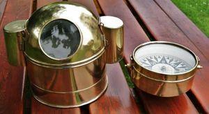 La Timonerie Antiquités marine -  - Compas