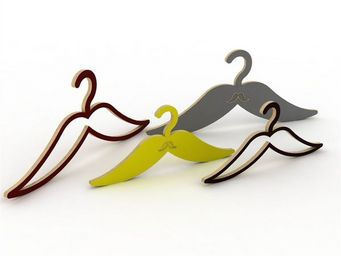 ESTAMPILLE 52 - cintre moustache �vid�e enfant rouge - Penderie