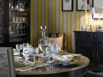 Grange - ermitage - Table De Repas Ronde