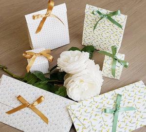 LES BELLES MUSETTES - végétal - Papier D'emballage