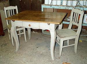 Matthew Higham Antiques -  - Table De Repas Carrée