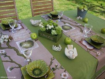 Lilas des Bois -  - Chemin De Table