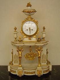 Courcelles Antiquités - pendule style louis xvi - Horloge À Poser