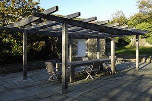 Fowler & - pergola and outdoor table for devon manor house - Pergola
