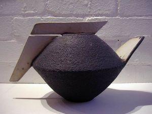 Sotis Studio Ceramics - decorative teapot collection - Théière