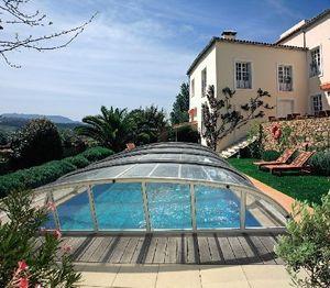 Veranda Rideau -  - Abri De Piscine Haut Fixe Mural