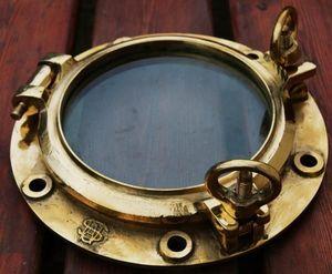 La Timonerie Antiquités marine -  - Hublot