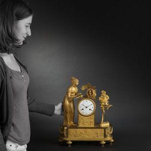 Expertissim - pendule à l'amour en bronze doré d'époque restau - Horloge À Poser