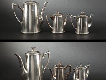 Expertissim - quatre plats et trois verseuses en métal argenté p - Verseuse