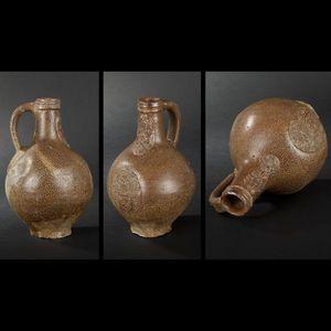 Expertissim - cruche en grès du xviie siècle - Pichet