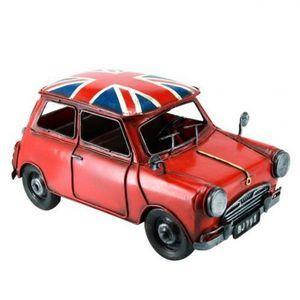 Maisons du monde - voiture rouge drapeau - Maquette De Voiture