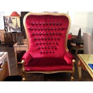 DECO PRIVE - canape princier 2 places en velours rouge et dore - Fauteuil