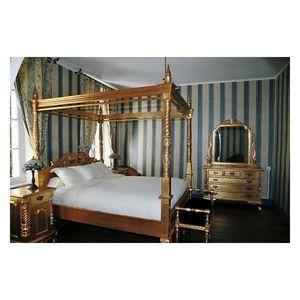 DECO PRIVE - lit a baldaquin baroque en bois dore modele chippe - Lit Double À Baldaquin
