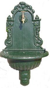 GRILLOT - fontaine murale en fonte à sceller 75x44x21cm - Fontaine Centrale D'extérieur