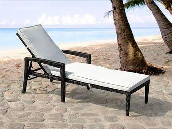 BELIANI - meubles en rotin - Chaise Longue De Jardin