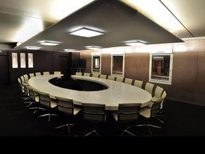 ADJ -  - Table De Conférence