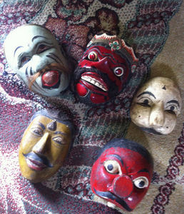 YOGJA DECO -  - Masque