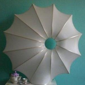 atoutdeco.com - lampe en soie naturelle modèle soleil - Lampe À Poser