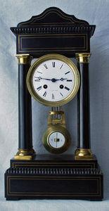 Antiquités Eric de Brégeot -  - Pendule Cartel