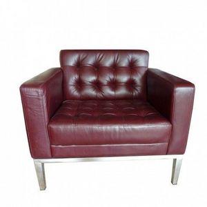 LE RÊVE CHEZ VOUS - fauteuil cuir coloris bordeaux slide - Fauteuil