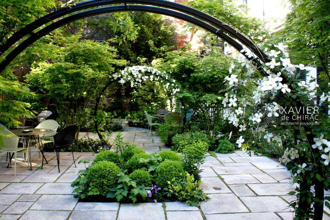 Jardin paysager - Vert - XAVIER DE CHIRAC   Decofinder