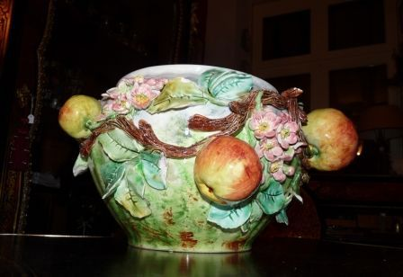 Art & Antiques - Cache-pot-Art & Antiques-Cache pot en barbotine fruits