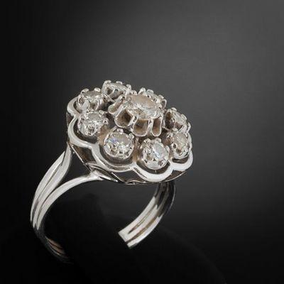 Expertissim - Bague-Expertissim-Bague rosace en or gris sertie de neuf diamants