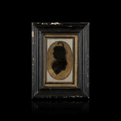 Expertissim - Portrait Miniature-Expertissim-Portrait de dame en buste. Vers 1800