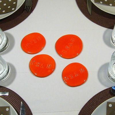 TERRE COLOR�E - Dessous de plat-TERRE COLOR�E-Dessous de plat galets Miam miam - Orange