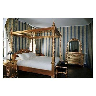DECO PRIVE - Lit double à baldaquin-DECO PRIVE-Lit a baldaquin baroque en bois dore modele Chippe