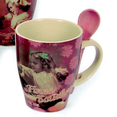 WHITE LABEL - Mug-WHITE LABEL-Mug rétro gourmand avec cuillère en Coffret cadeau