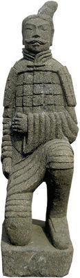 STATUES DU MONDE - Statuette-STATUES DU MONDE-Statue Guerrier debout en basanite naturelle