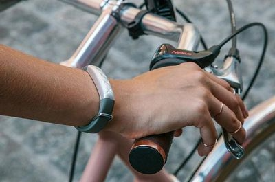 JAWBONE - Bracelet connecté-JAWBONE---UP3.