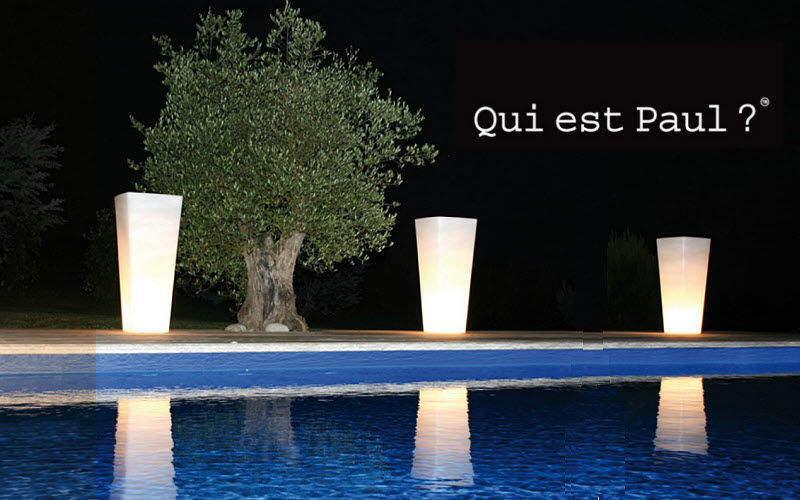 QUI EST PAUL ? Illuminated pot Bollard lights Lighting : Outdoor Garden-Pool | Design Contemporary