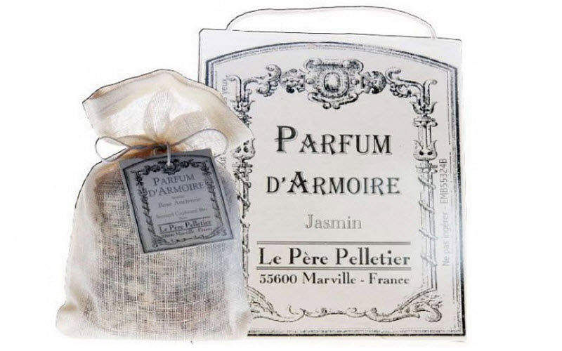 Le Pere Pelletier Perfumed sachet Scents Flowers and Fragrances  |