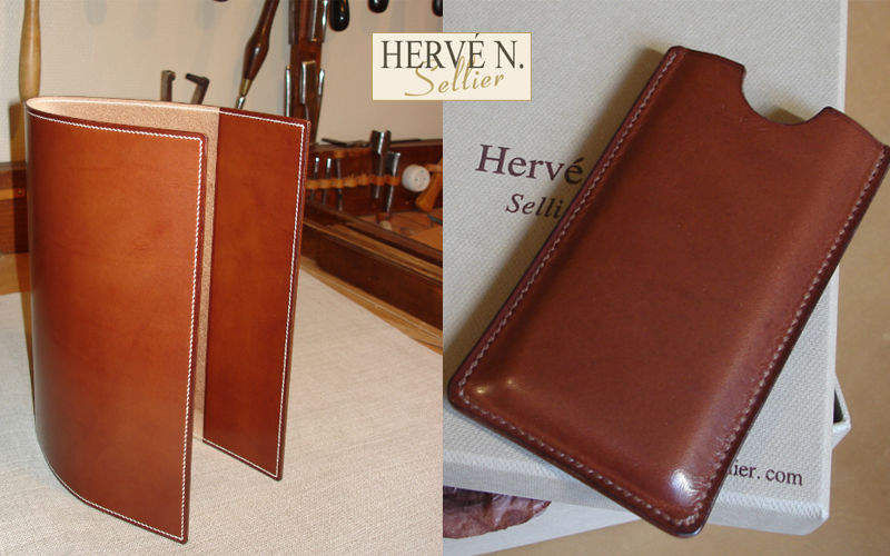 HERVE N SELLIER Mobile case Instrument cases Beyond decoration  |