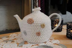 Au Maison & Eja International Tea cosy