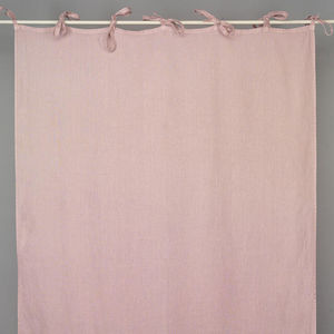 Knotted curtain