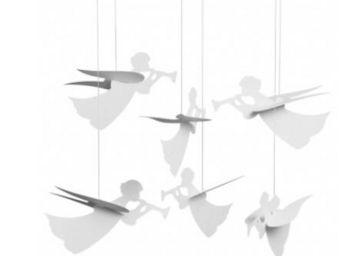 Moving pendulums