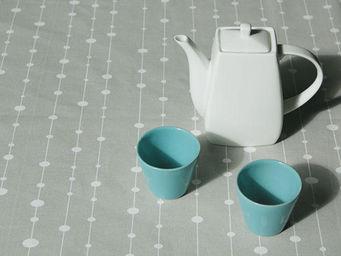 FLEUR DE SOLEIL - nappe enduite perles grises 160x160 - Coated Tablecloth