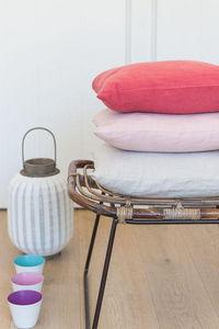 Couleur Chanvre - litchi, rose tendre, blanc de chaux - Cushion Cover