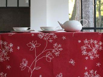 FLEUR DE SOLEIL - astrance rouge - Coated Tablecloth