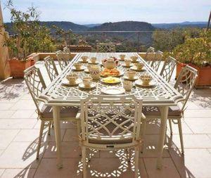 Oxley's - 'ressington - Garden Table