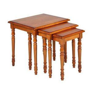 MAISON ET STYLES -  - Nest Of Tables
